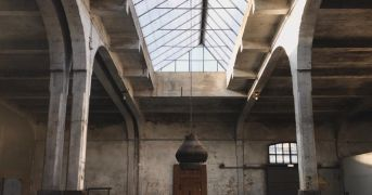 Milano apre, nonostante l'arancione. L'inaugurazione del Sanctuary Milan tra le polemiche