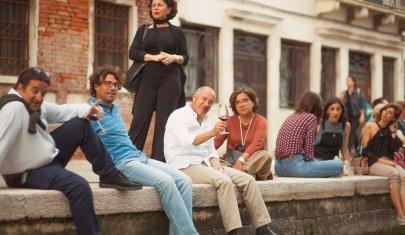 Come non finire seduti per terra se vai a cena a Venezia con più di 3 amici