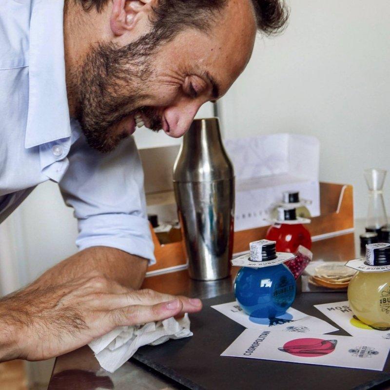 Come hanno fatto a non pensarci prima? In Italia nasce il primo delivery di cocktail artigianali