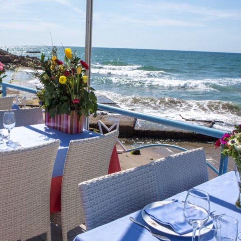 Voglia d'estate: i migliori ristoranti del litorale romano da provare pre o post-passeggiata