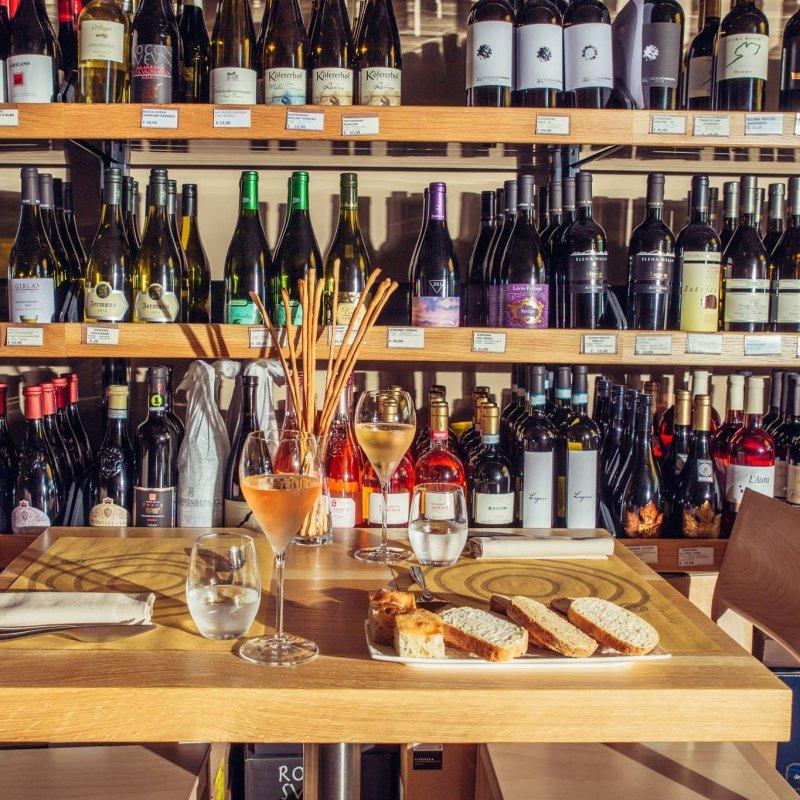 Franciacorta: bistrot e cantine dove la degustazione si fa modaiola