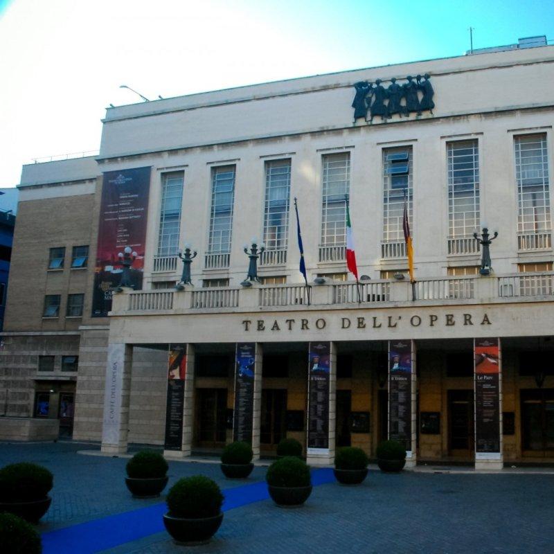 Quella fame pazzesca dopo il terzo atto: 12 locali romani per mangiare post serata a teatro