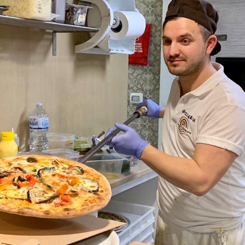 Perché una veneziana va a mangiare una pizza a Mestre: te lo spiego
