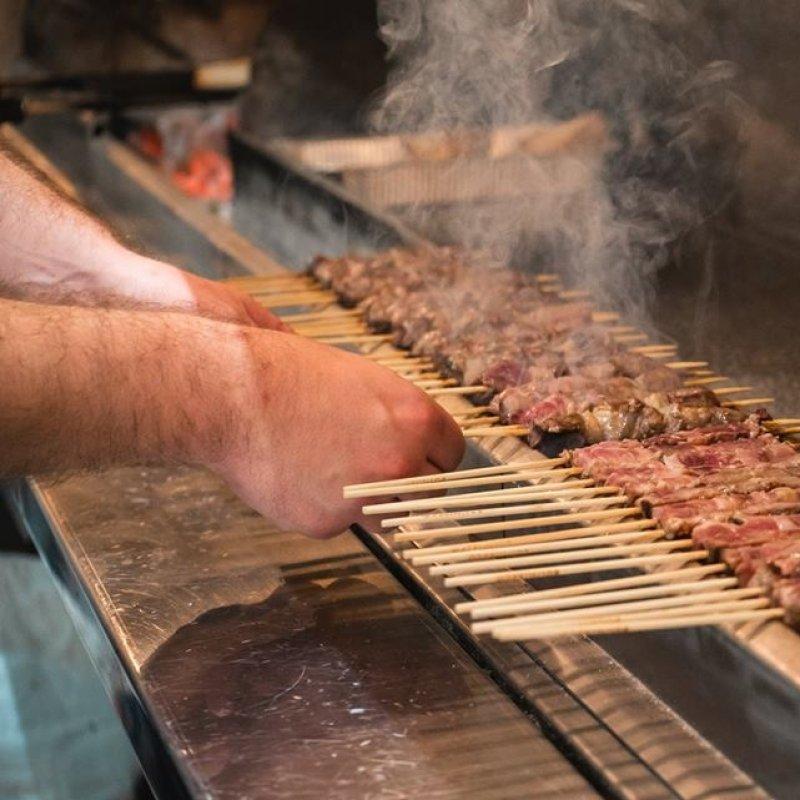 10, 100, 1000 arrosticini: quando la specialità abruzzese si gusta qui a Roma
