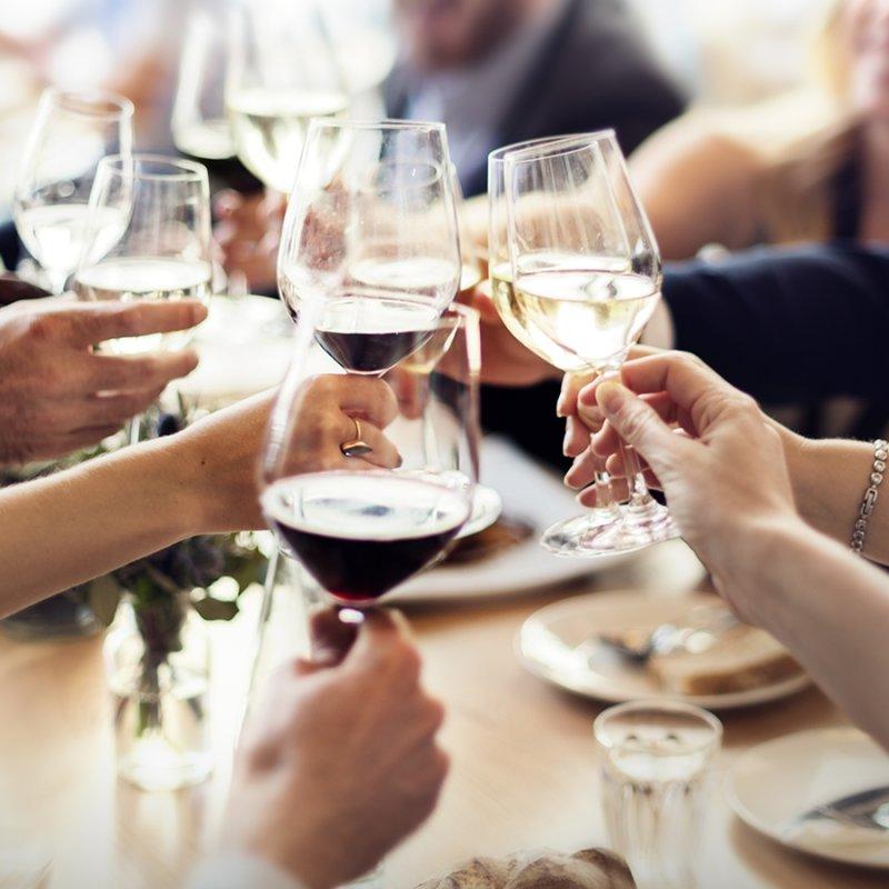 A Natale offre il capo: 5 locali per una cena aziendale a Brescia