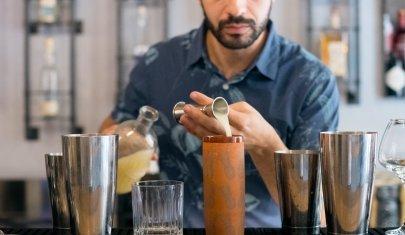 Giovanni Liuzzi racconta perché nel suo tiki bar ci sembra di stare alle Hawaii