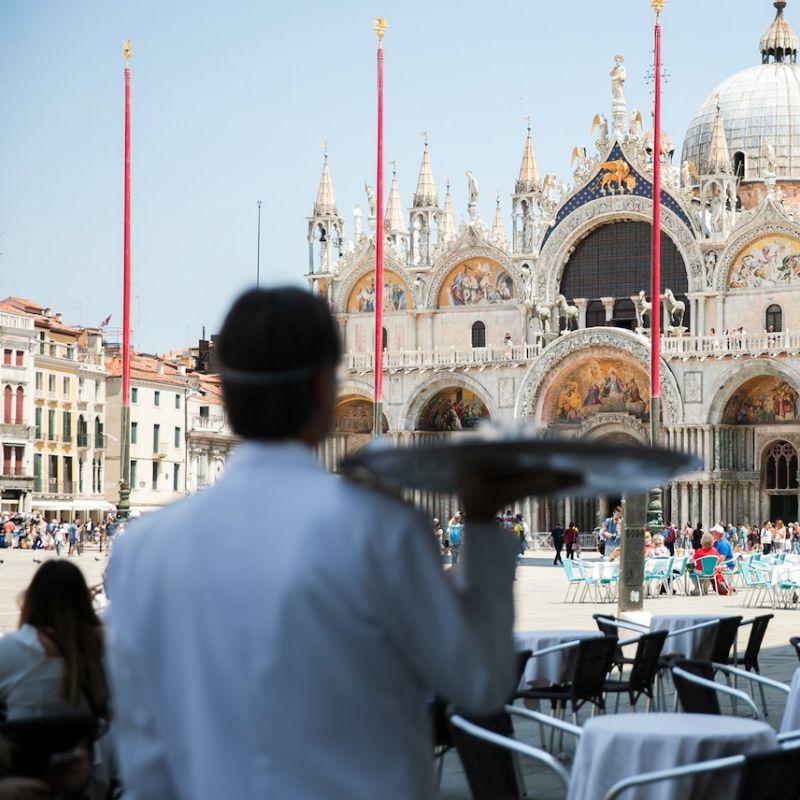 San Marco: la piazza torna ai veneziani con lo spritz