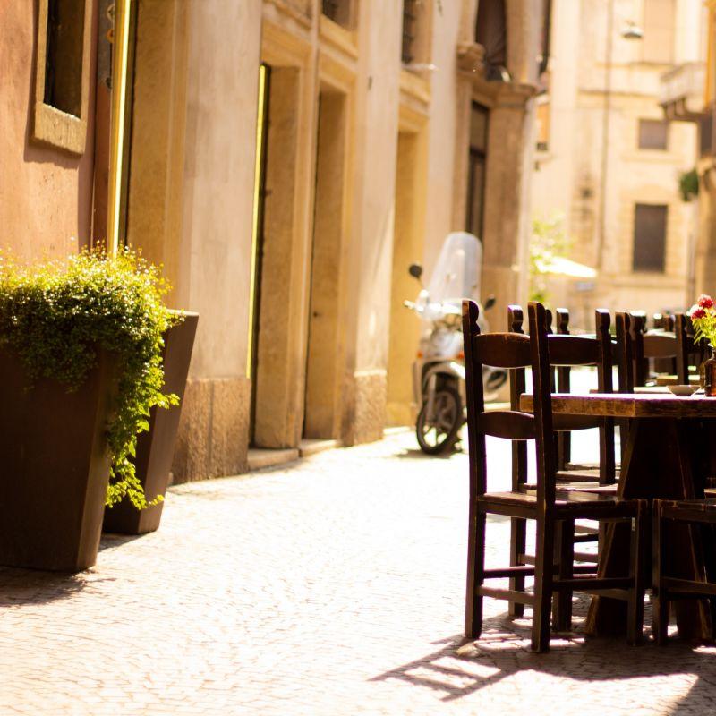 A Verona mangio e bevo come scelgo io con i locali delivery e take-away del centro