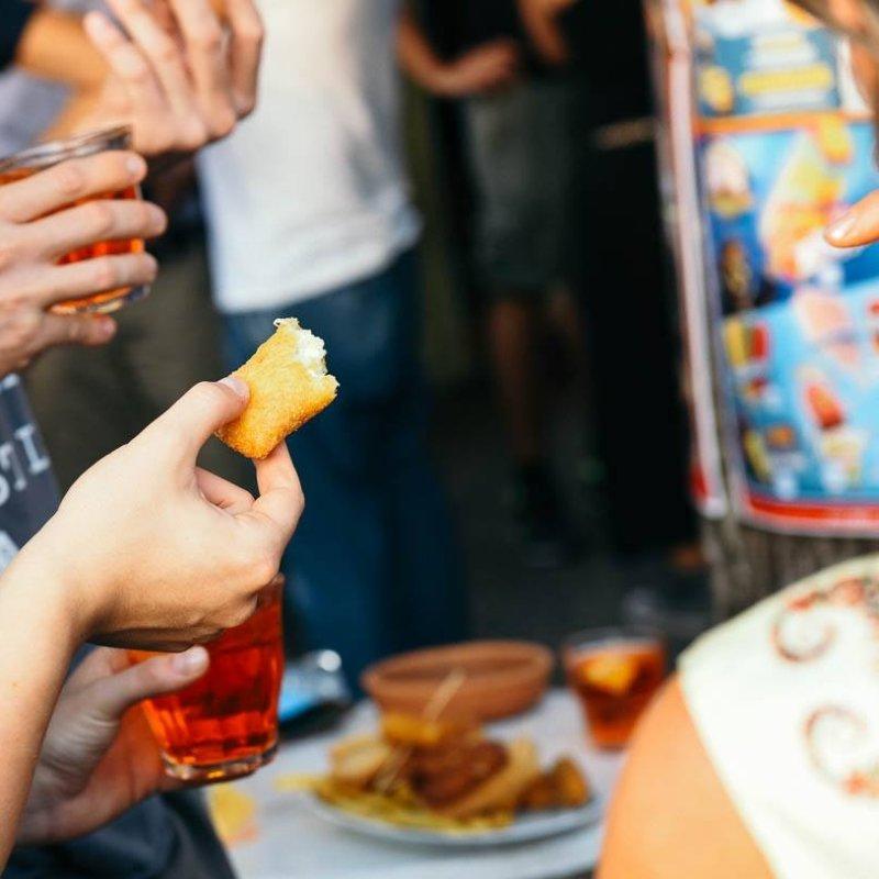 Lo spritz si fa in infradito: boicottare la Treviso che se la tira per questi 5 aperitivi easy