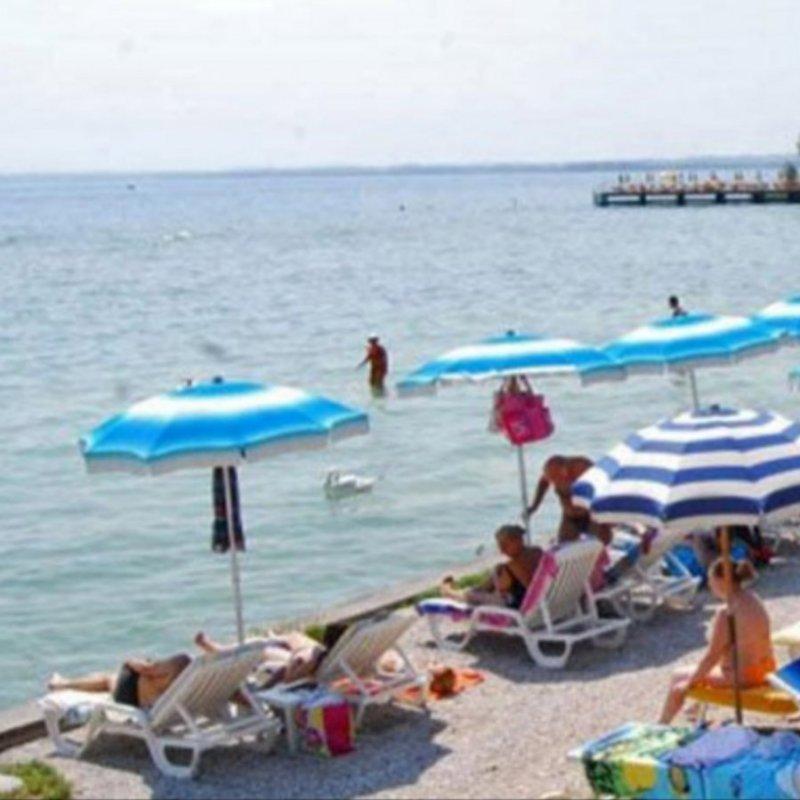 Estate sul Garda: 8 spiagge della sponda bresciana dove rilassarsi e godersi le belle giornate
