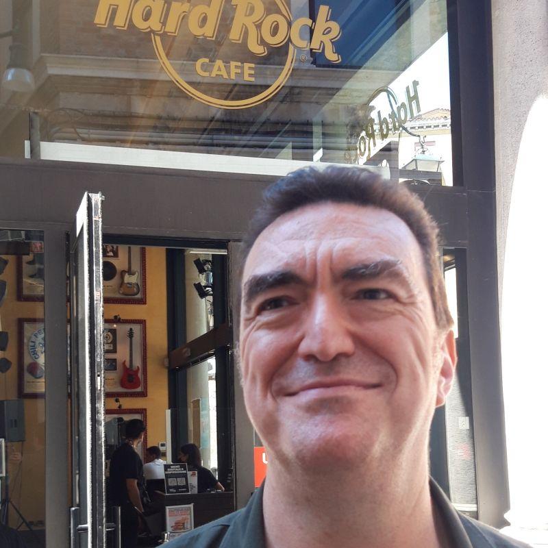 Hard Rock Cafe Venezia: Jesus Rodriguez, General Manager, spiega perché è speciale