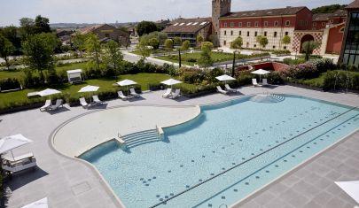 Tutto quello che ci serve con questo caldo è una giornata in piscina nei dintorni di Verona
