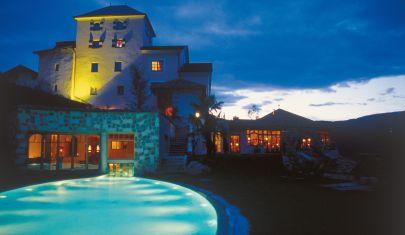 Le più belle piscine all'aperto con acqua calda e vista panoramica sui monti
