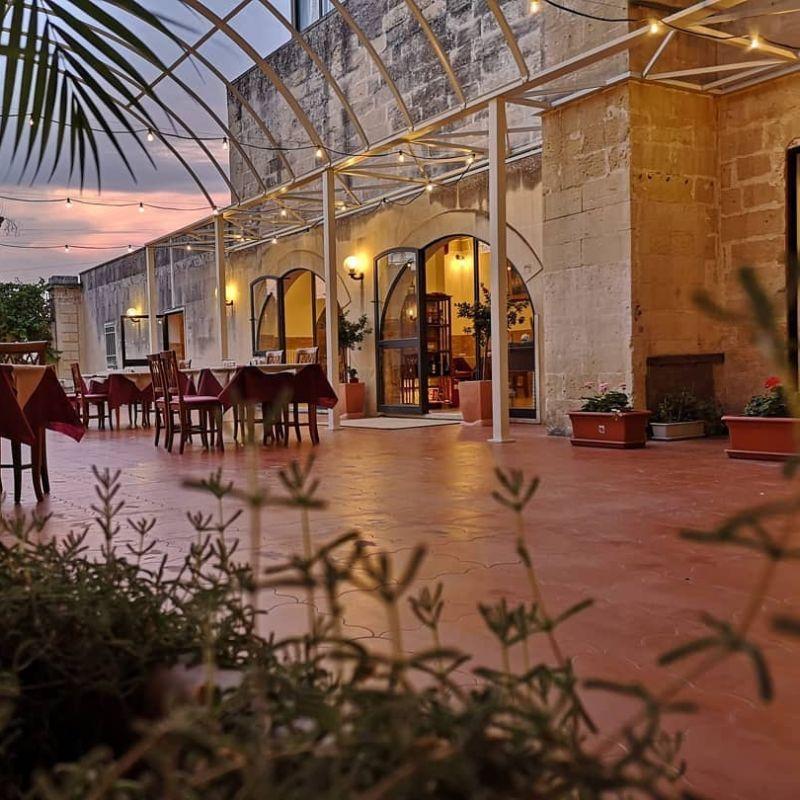 A cena con la Storia a Lecce: serata tra chiostri e cortili dei palazzi storici della città