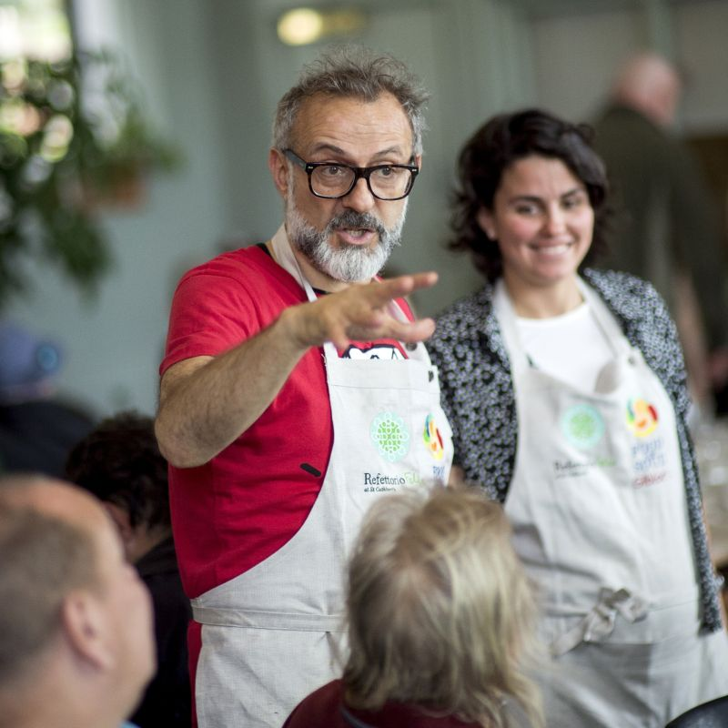 Tu aiuta la onlus Food For Soul e Massimo Bottura ti ospita da lui, pernottamento compreso
