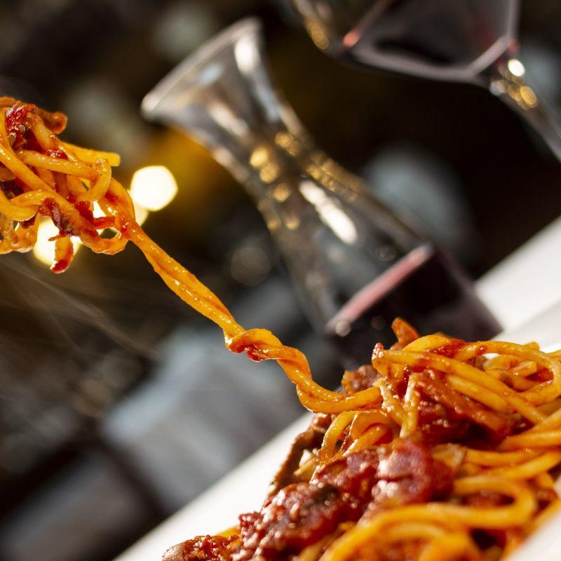 Quanto sei bella Roma a tavola, il racconto di una cena da Checco Er Carettiere