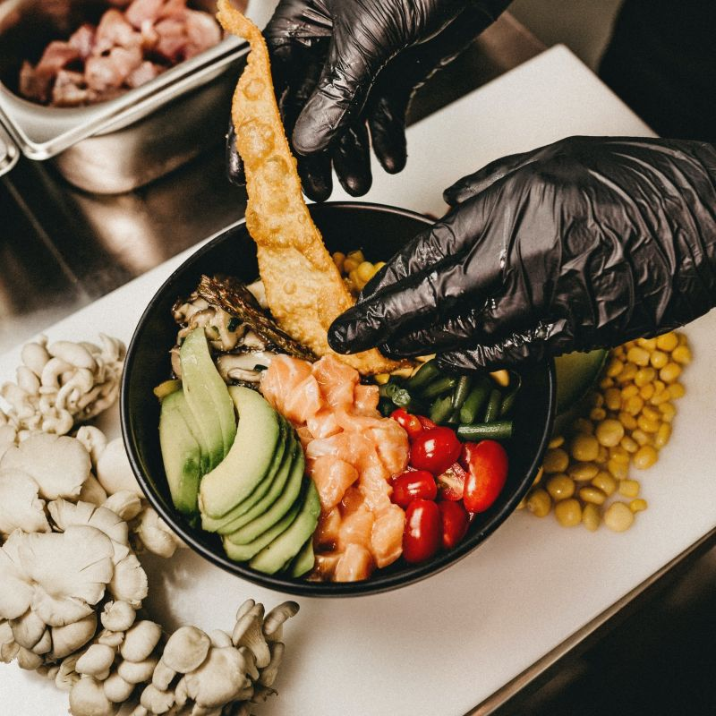 Perché la poké bowl è il nuovo sushi e dove provarla tra Mestre e Venezia