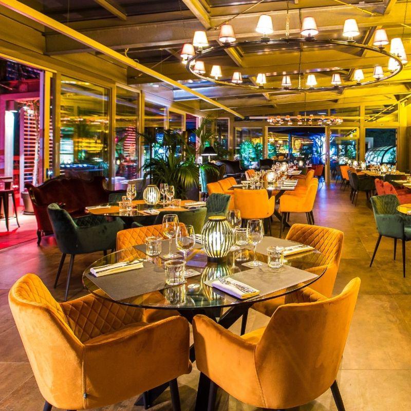 A Roma Nord ha inaugurato un nuovo ambizioso ristorante che è anche champagneria e cocktail bar