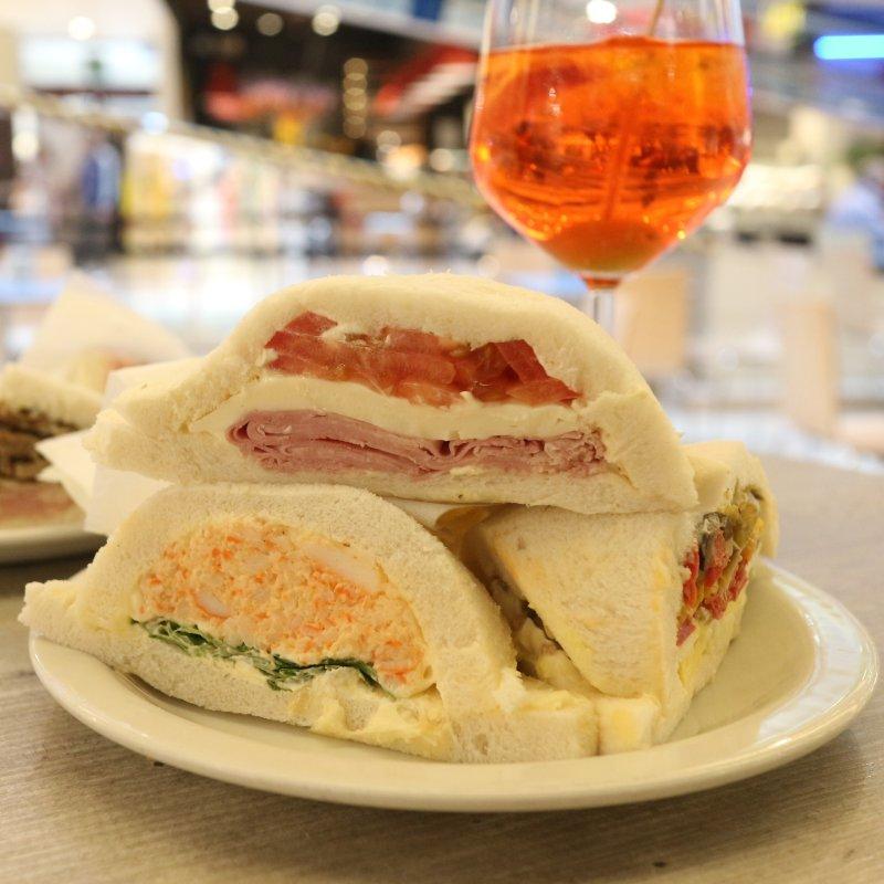 Tra Mestre e Venezia si fa aperitivo con il tramezzino (e i finger food a fighetti e foresti)