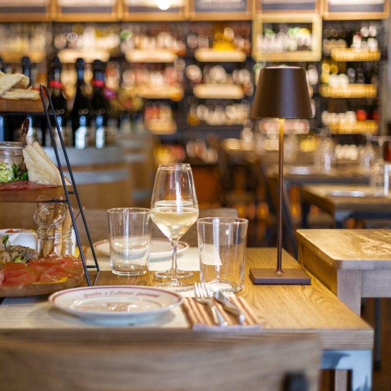 Quali locali di Brescia frequenta chi di vini se ne intende?