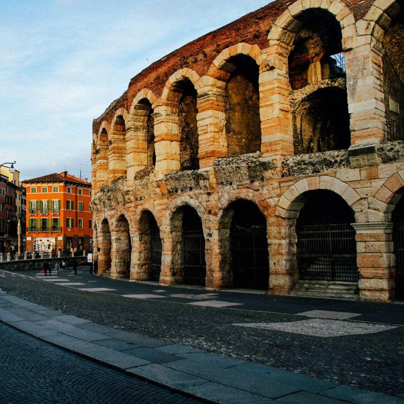 Passeggiata a Verona tra storia e cucina: i locali da non perdere