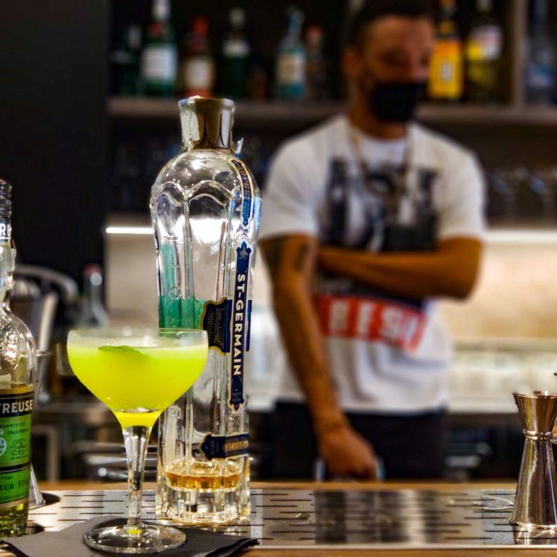 Welcome Cocktail Bar dà il benvenuto anche al pranzo veloce