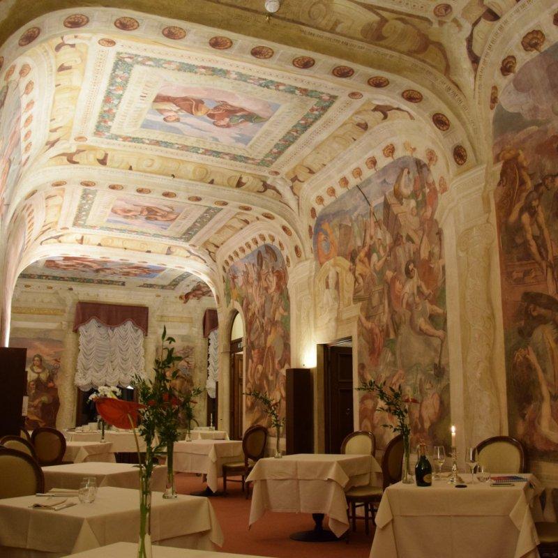 """Cenare circondati da affreschi del Cinquecento a Mestre: al ristorante """"Malipiero"""""""