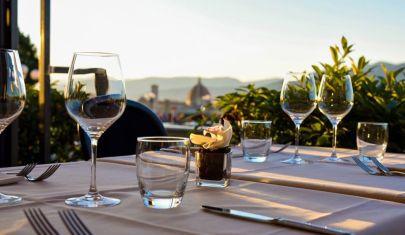 I ristoranti all'aperto di Firenze dove mangiare con il cielo come tetto a pranzo e a cena