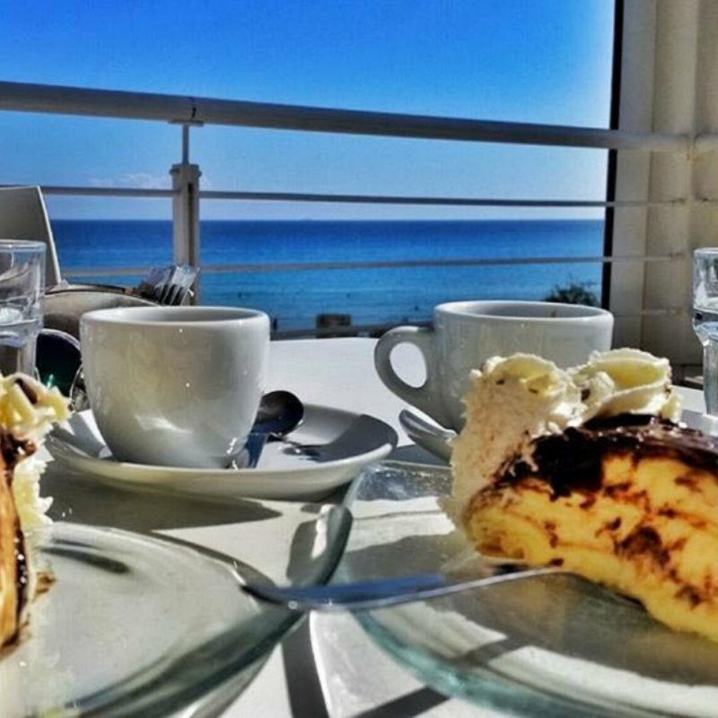 Costa adriatica del Salento: dove la colazione è vista mare