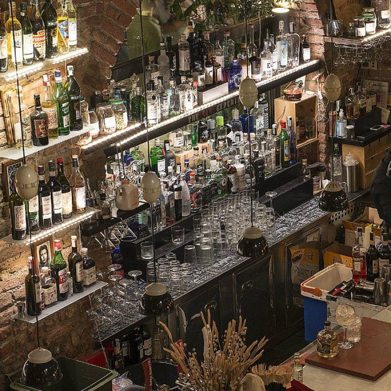 E' l'anno del gin e le ginerie sono ovunque. Troviamo le migliori, per i veri intenditori