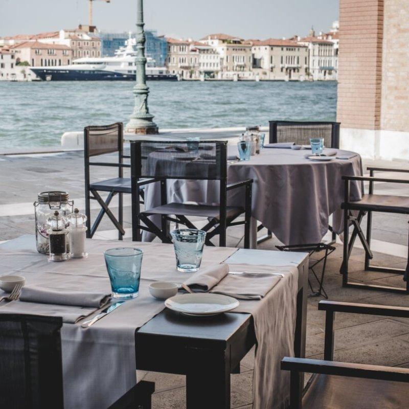 Amarsi a Venezia d'estate tra un ristorante e l'altro