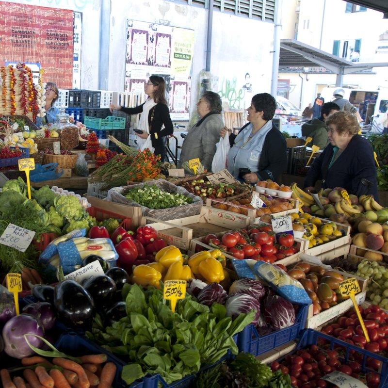 I piatti che hanno il sapore di una volta: 10 ristoratori fiorentini che fanno la spesa al mercato