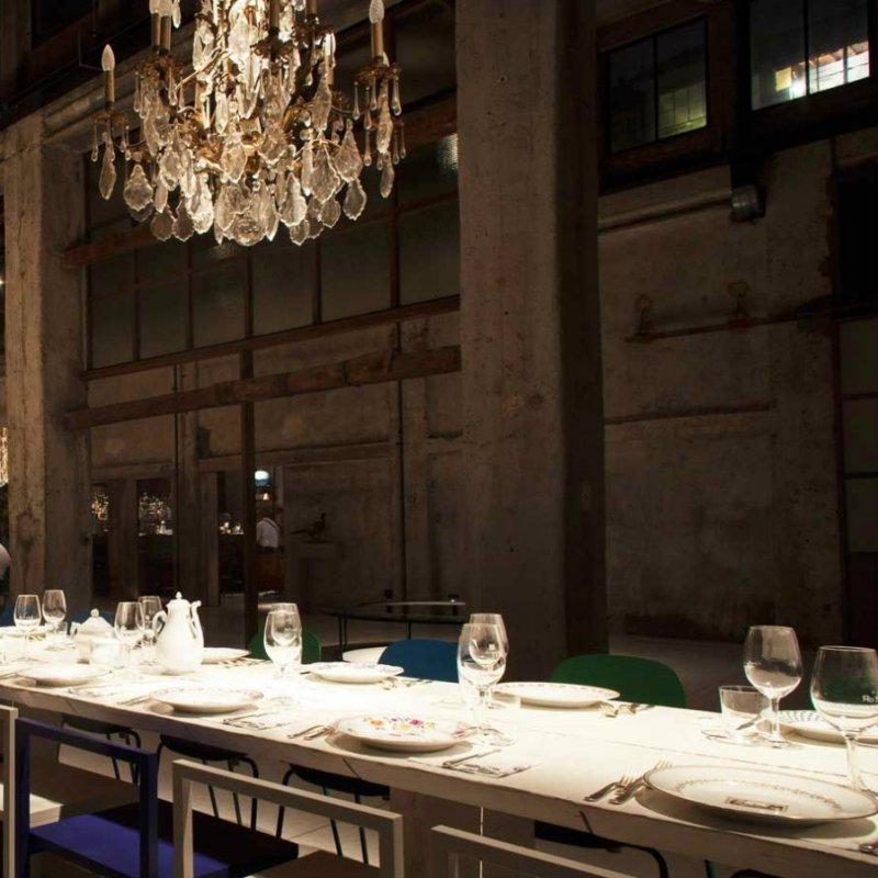 Social Table: posti dove mangiare al tavolone condiviso e quanto fa figo