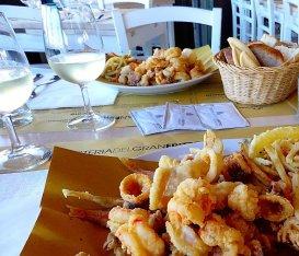 10 ristoranti dove la frittura di pesce tocca la perfezione