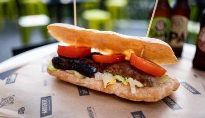 Si chiama panino gourmet perché 'ci do dentro con stile' è lungo. Dove mangiarlo a Pescara e da chi farselo portare a casa.