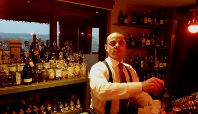 """""""Dal quadro al bicchiere, ecco come trasmetto le emozioni dell'arte"""". Alessandro Antonelli ci anticipa la nuova drink list del Rooftop Sky Stars Bar"""