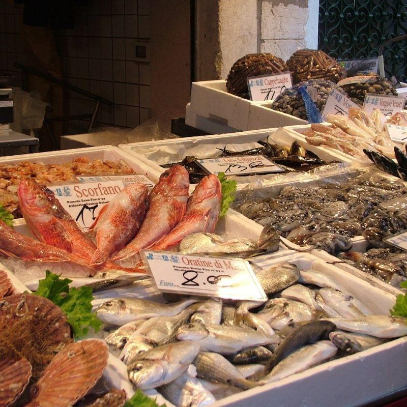 Il crudo di mare buono lo vendono in pochi: ecco le 9 pescherie migliori di Bari